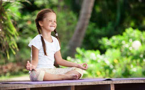 Meditation i barndommen - dyrkning af vores indre have fra en tidlig alder
