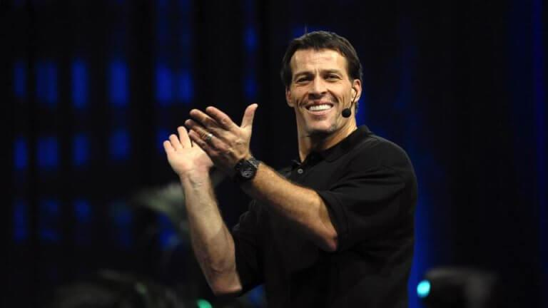Tony Robbins i applaus