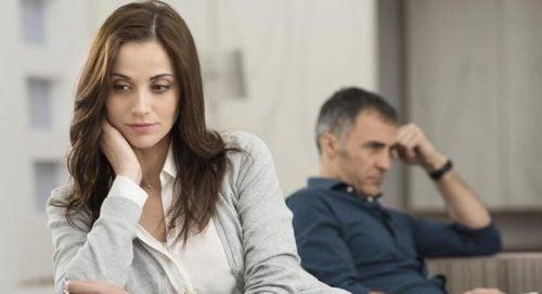 Par oplever spændinger i forhold