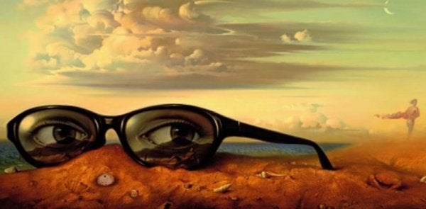 Kæmpe briller med øjne i ørken