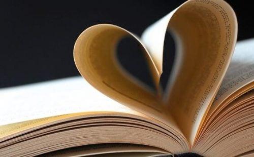 De 5 bedste citater om kærlighed i litteraturen