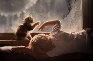 Dreng med kat