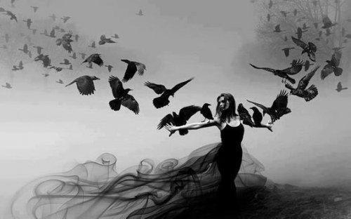 fugle og kvinde i vinteren
