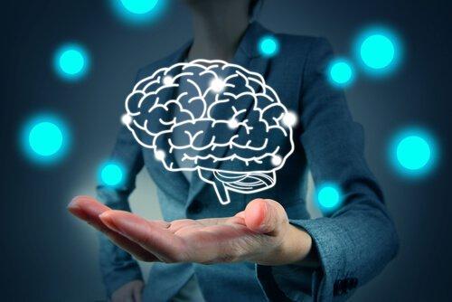 Hånd med digital hjerne