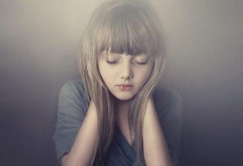 pige i stilhed