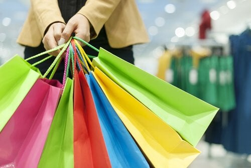 Virksomhederne bruger social psykologi for at få dig til at købe mere