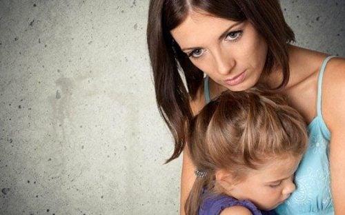 Forældre og besættelsen af at skulle beskytte børn