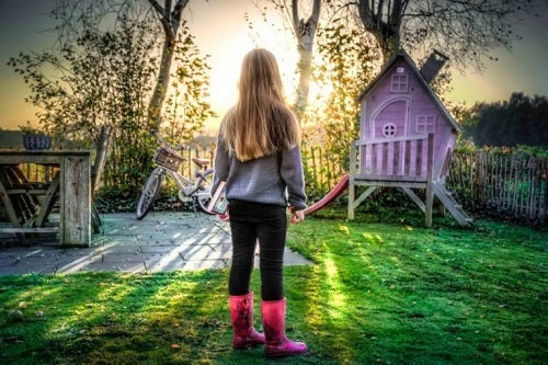 En pige foran et magisk legehus