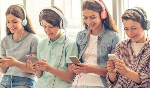 """5 ting, """"smartphone generationen"""" har til fælles"""