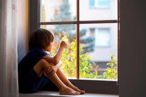 Separationsangst hos børn: Derfor er tilknytning sundt