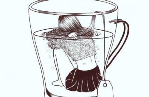 Kvinde i kop som et tebrev