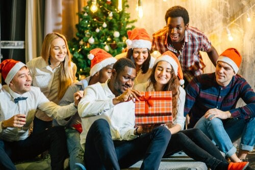 familie der giver hinanden gaver