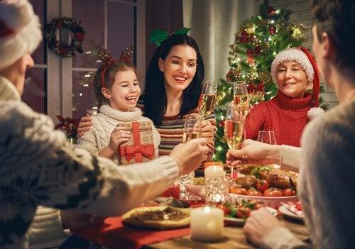 familie-middag til jul