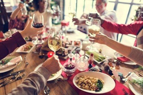 Succesfulde familiesammenkomster med god mad og vin