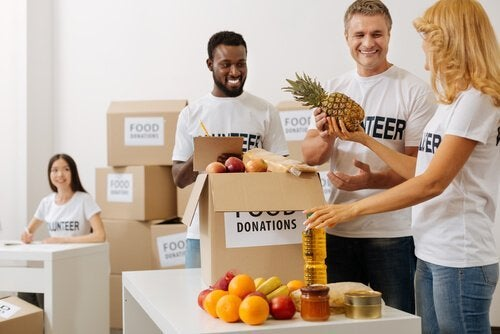 Mennesker, der sender donationer