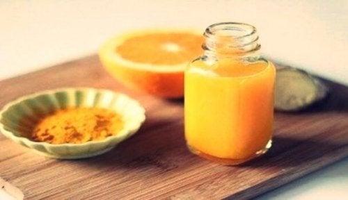 Appelsin og gurkemeje mod inflammation i kroppen