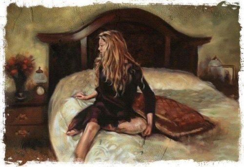 Kvinde i seng på mørkt værelse prøver at undgå ubehøvlede mennesker