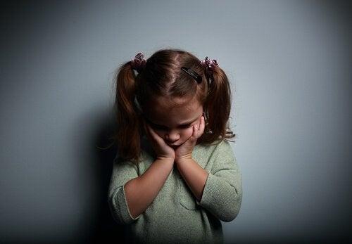 At vokse op med følelsesmæssigt fraværende forældre