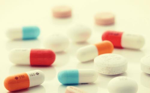 Lægemidler, der er relateret til antidepressivt seponeringssyndrom.