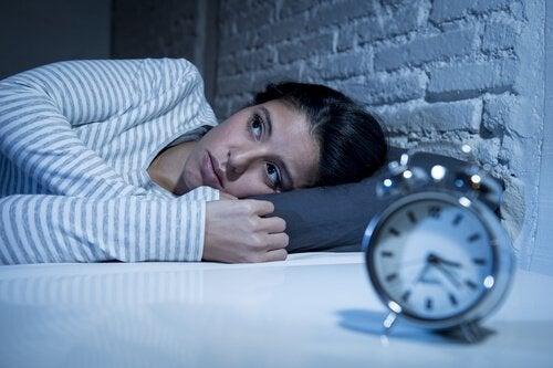 En kvinde, der ikke kan falde i søvn