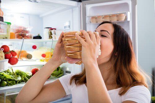 Sådan kontrollerer du sult forårsaget af angst
