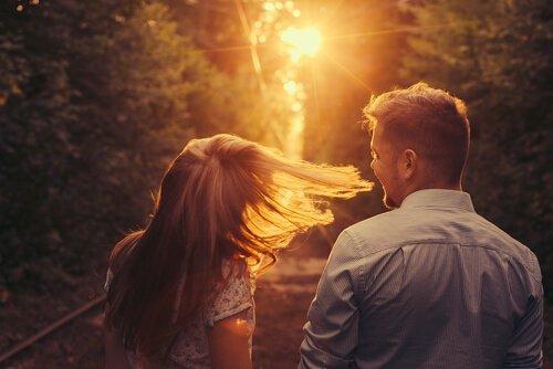 Pludseligt mødte jeg dig: En historie om forelskelse