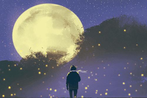 En fyr med et tørklæde, der ser på månen