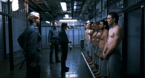 Deltagerne tilpassede sig hurtigt deres tildelte roller i filmen Eksperimentet