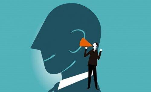 At tænke højt forbedrer dine mentale evner