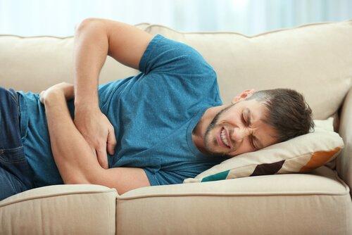 Mand oplever fysiske smerter som følge af somatoforme lidelser