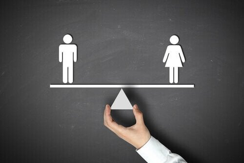 Mand og kvinde udligner hinanden på vægt