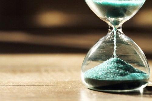 Tidens psykologi: Hvorfor vi opfatter tiden så forskelligt