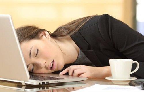 Narkolepsi: Symptomer og behandling