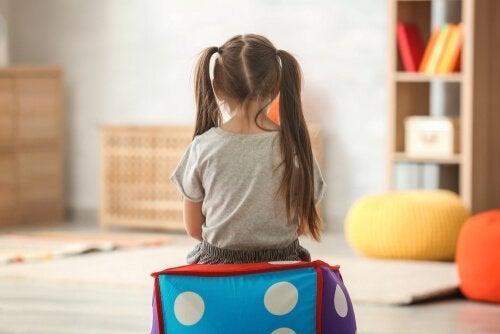 Et autistisk barnses bagfra