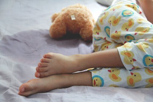 Enuresis: Årsager, symptomer og behandlinger
