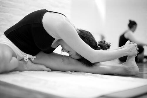 Bikram Yoga: Karakteristika og fordele