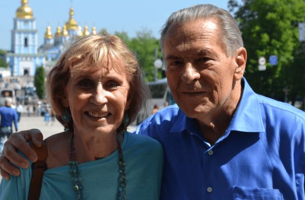 Christina Grof stod ofte i skyggen af sin mand, Stan Grof