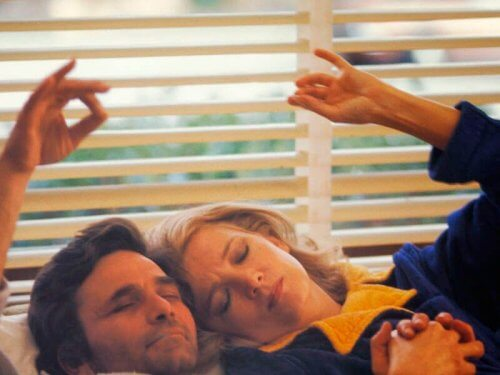 en scene fra filmen, A Woman Under the Influence, der sender et feministisk budskab