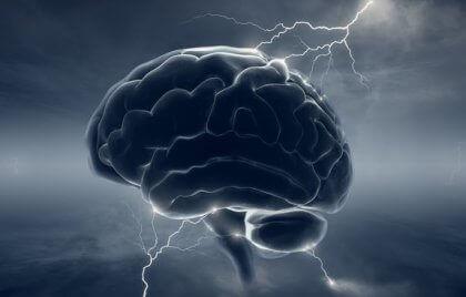 Hjerne med lyn symboliserer migræne og dopamin