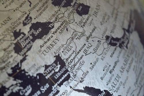 Nærbillede af Tyrkiet og omkringliggende lande på kort