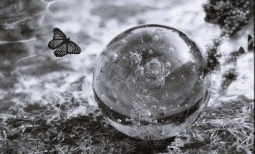 Følelsesmæssig skrøbelighed: Forstå og styrk dit ego