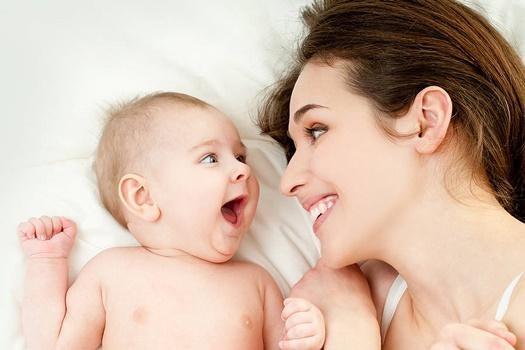 kvinde og baby