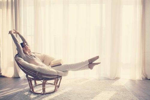 Minimalistisk livsstil: Hvordan man kan leve mere med mindre