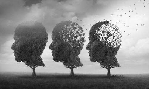 Tre træer i form af hoveder.
