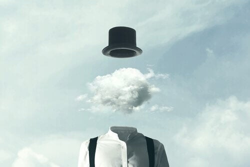Hovedet i skyerne