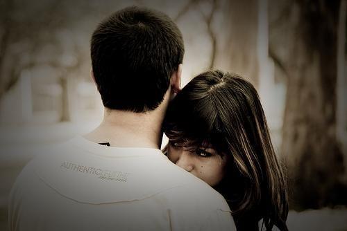 et ungt forelsket par