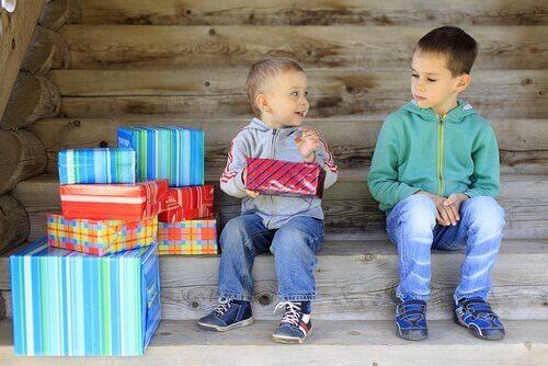 Jalousi mellem søskende på grund af gaver