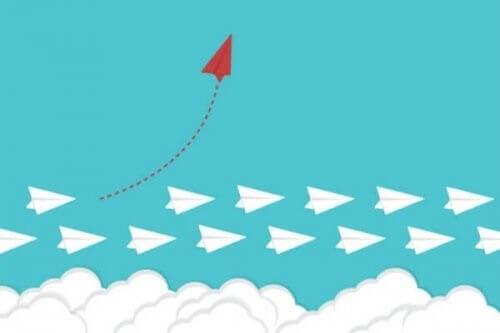Et papirsfly viser, at det kan ændre en vane ved at flyve en anden vej end resten