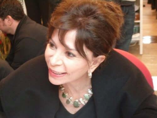 Isabel Allende iklædt sort trøje