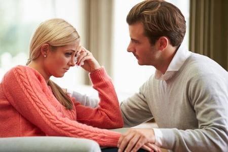 Grundet traditionel opdragelse undertrykker mænd deres følelser mere, hvilket fører til højere psykisk smertetærskel